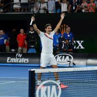 Federer a Wimbledon con la maglietta Uniqlo?