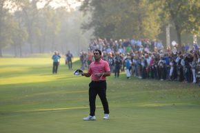 La buca ideale del golf? La beneficienza. Ma grazie ai giocatori o ai volontari?