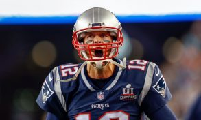 Super Bowl, tutto fa spettacolo. Mentre Brady entra nella leggenda