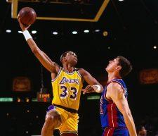 """20 Marzo 1990, i Lakers ritirano la """"33"""" di Jabbar"""