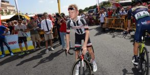 E se il Giro lo vincesse un gregario: come Pambianco, come Cunego o magari Sam Oomen?