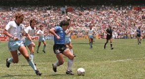 Maradona boccia Messi. Ha ragione, ma è un altro autogol dell'uomo Diego, troppo piccolo rispetto al campione…