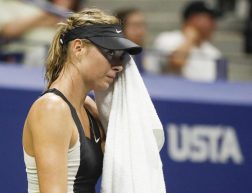 Tennis, Maria Sharapova getta la spugna a Shenzhen