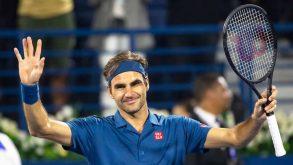 Federer nella storia, battuto Tsitsipas e vinto il titolo numero 100