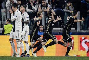 Il calcio è semplice come lo shampoo, come il calcio dell'Ajax…