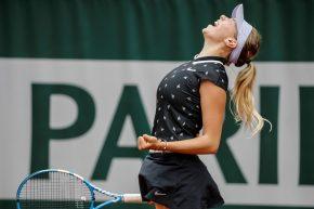 Un po' Kournikova, un po' Serena: che cocktail Amanda!