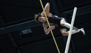 Armand Duplantis come Bubka: salta in cielo un centimetro dopo l'altro