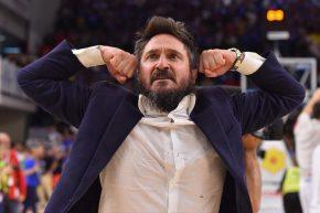 Da Varese a Sassari, da funambolo ad allenatore: Poz dà sempre spettacolo