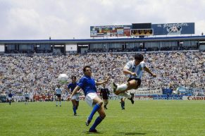Addio, Maradona: patrimonio dell'umanità che ha sfidato l'impossibile